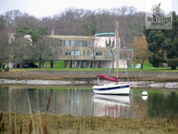 Beaulieu River, House and Boat