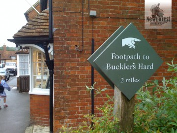 Start of the Beaulieu to Buckler's Hard walk