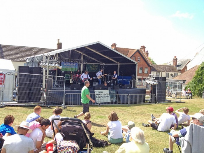 The Mudeford Crabs on the main stage